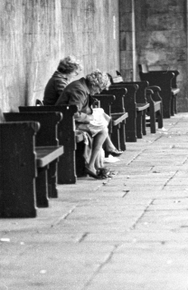 Ladies sitting in the covered colonnade which was adjacent to the Hall of Memory – late 70's