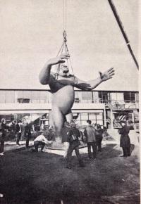 King Kong arrives - 1972 (Studio International)