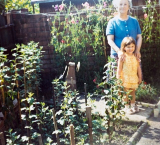 Suzanne_and_Grandmother-8252