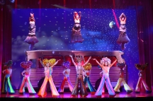 I Will Survive - Priscilla Queen of the Desert - The Musical - Photo credit Paul Coltas